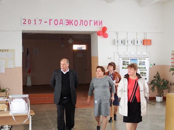 Игорь Вайль проводит выездной прием граждан в Виноградненском сельском поселении Ленинского района