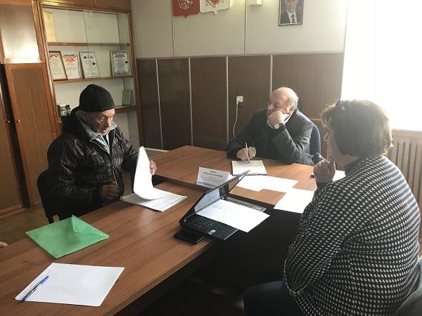 Игорь Вайль проводит выездной прием граждан в администрации Луганского сельского поселения Джанкойского района Республики Крым
